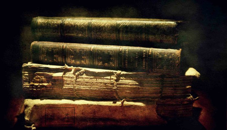 ۶۹۱۳۴۴۹۳-the-beauty-of-books